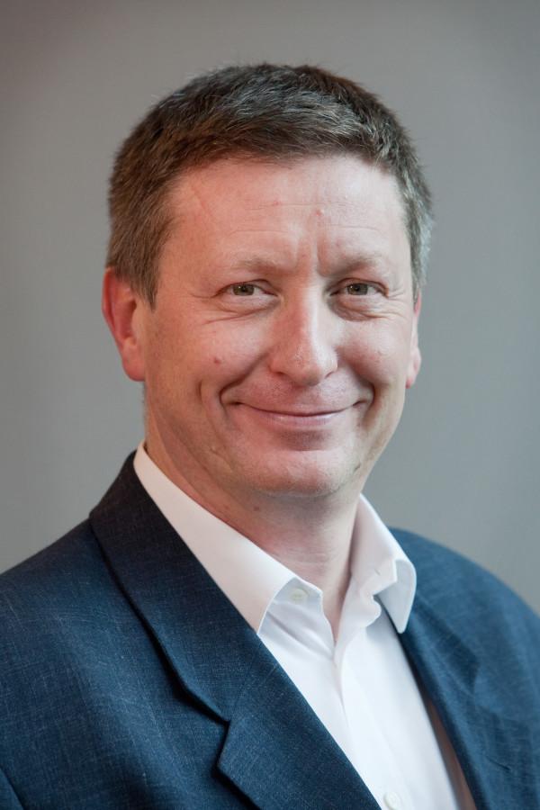 Dr Duncan Holmes